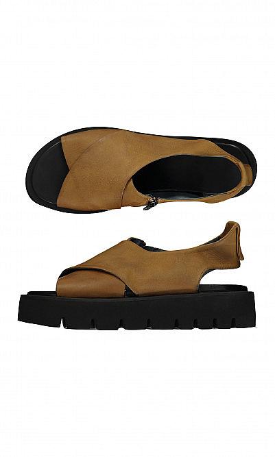 Luca sandals