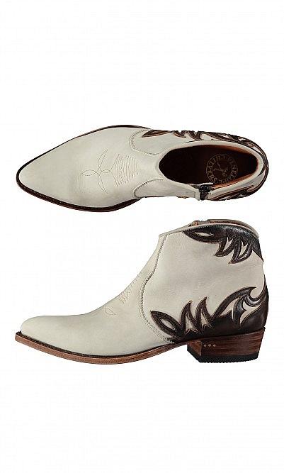 Faye boots