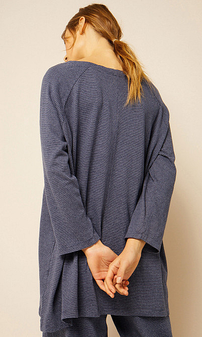 Point blue top