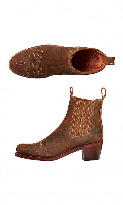 Salva oiled suede boots