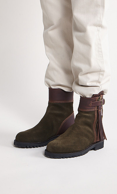 Conker boots