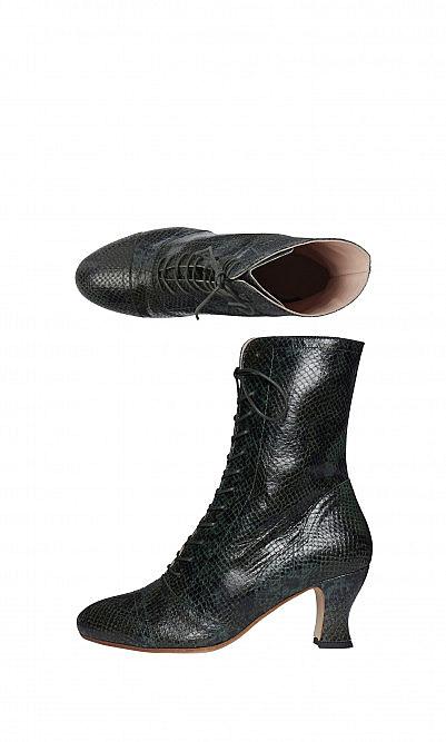 Moss boots