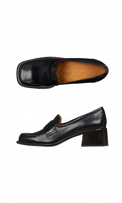Heeled loafers by Chie Mihara