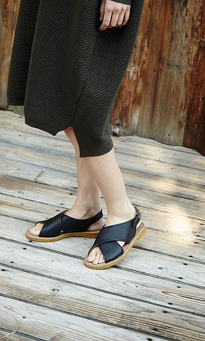 Max cross sandals